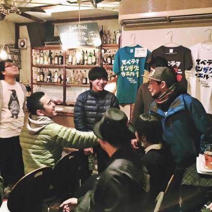 僕達は2番目です!森田が隠れてますが、一応います!天を仰ぐおがけんさんと、ピエール西野さんの笑顔が素敵です!